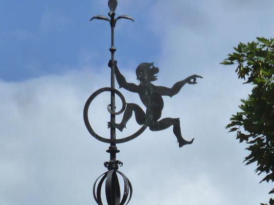 Der freche Kerl auf dem Heinzelmännchenbrunnen