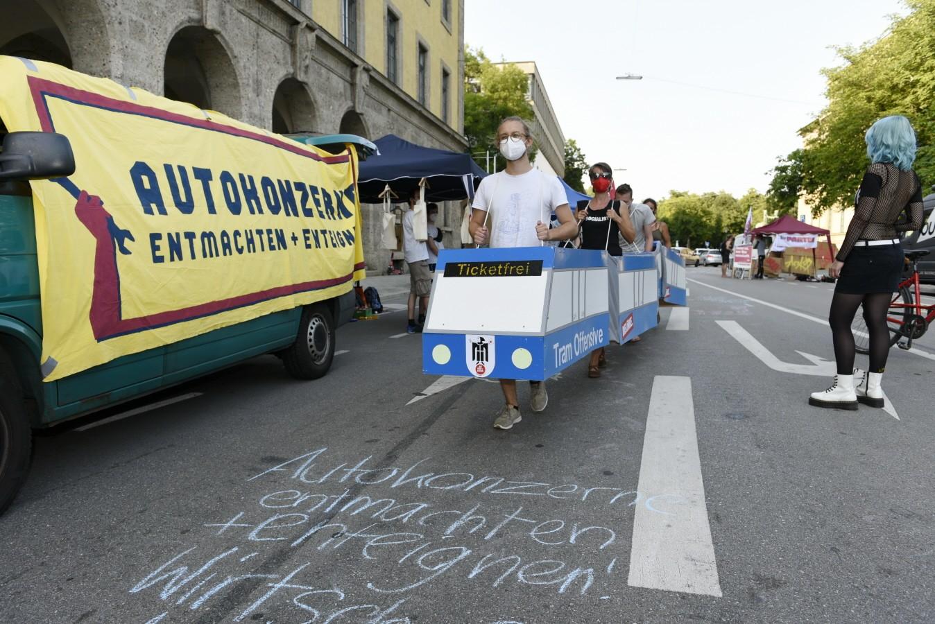 Protest gegen die Automobilausstellung in München (IAA)
