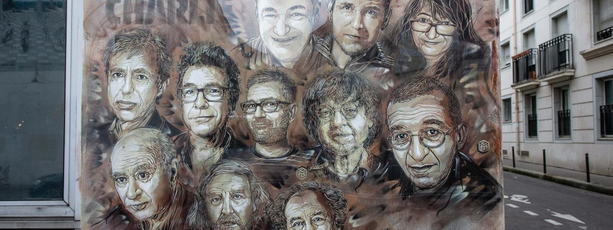 La fresque, dans le 11 ème arrondissement de Paris, rue Nicolas Appert où se trouvait le siège de Charlie Hebdo.